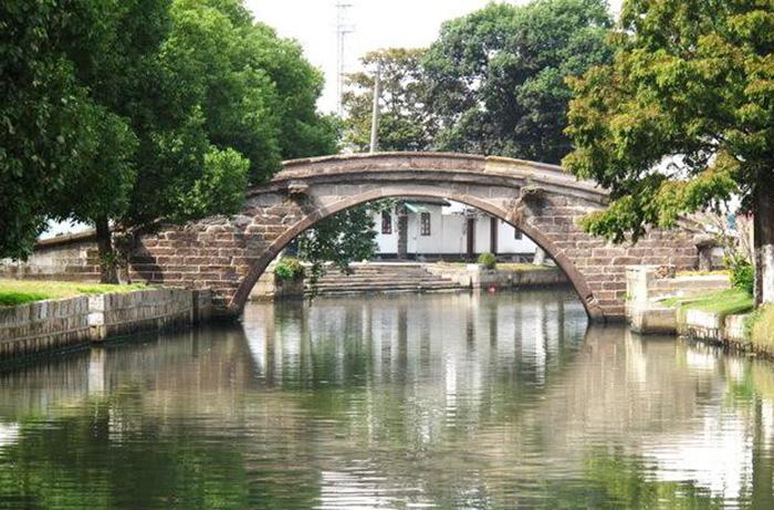 上海第一古桥---金泽真的普济桥(建于宋代)