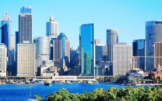 样板先行 从严要求---澳洲专家实地考察Y3样板 date 2017.12  Y3办公楼效果图 Y3办公楼项目位于澳大利亚墨尔本市,共21层,建筑高度92米,总建筑面积为18120平方。 金博建工集团承接了该项目VMU(视觉样板)制作,该项目单元风格分为标准单元、阳转角单元、阴转角单元、铝板单元和悬挑单元。